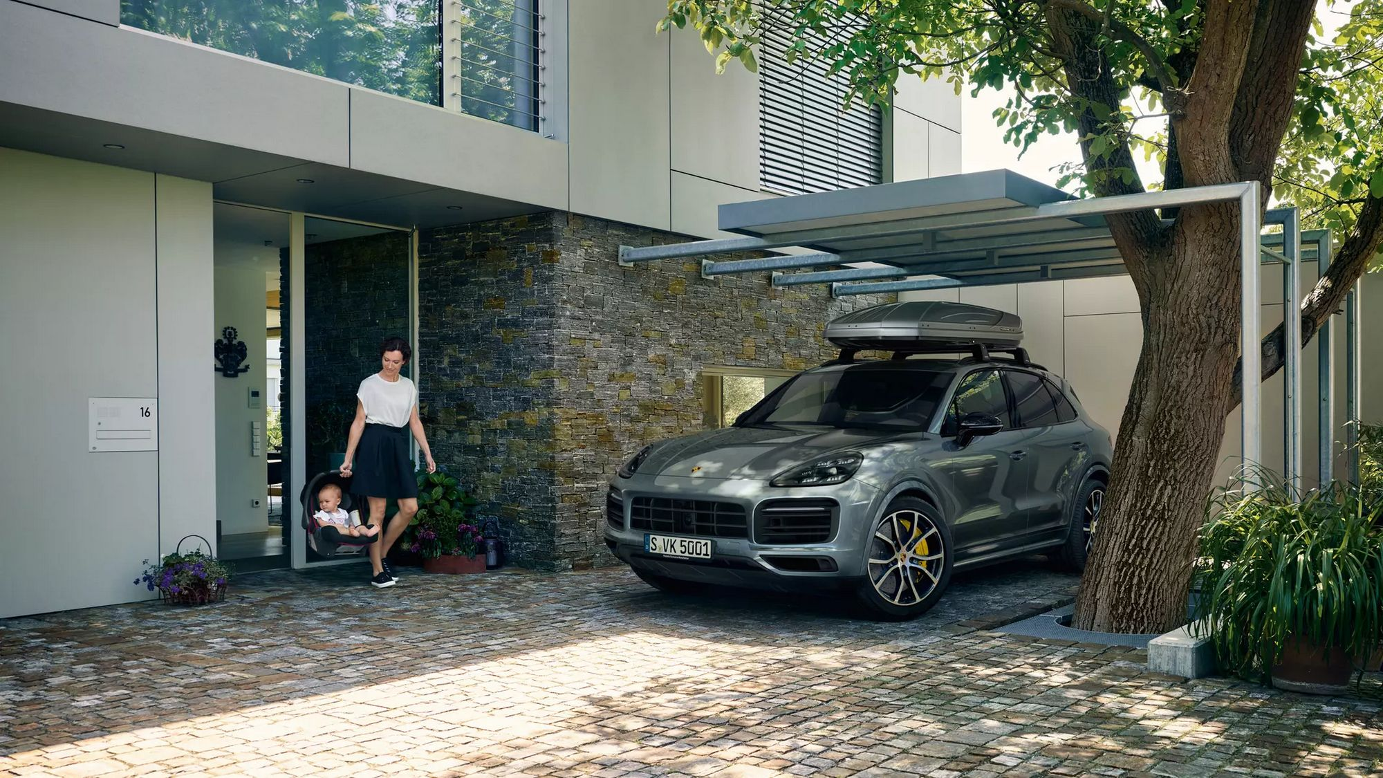 Porsche Design Roof Boxes (2)