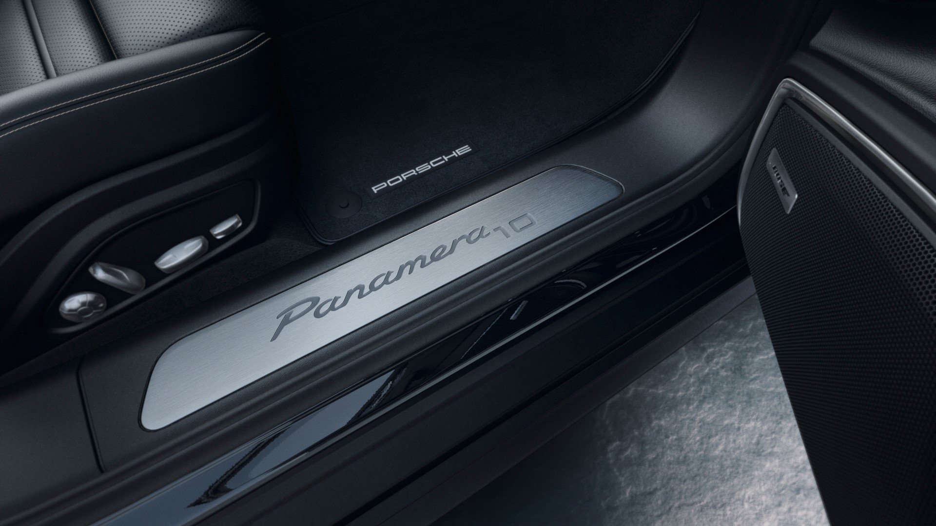 Porsche-Panamera-10-Years-Edition-10