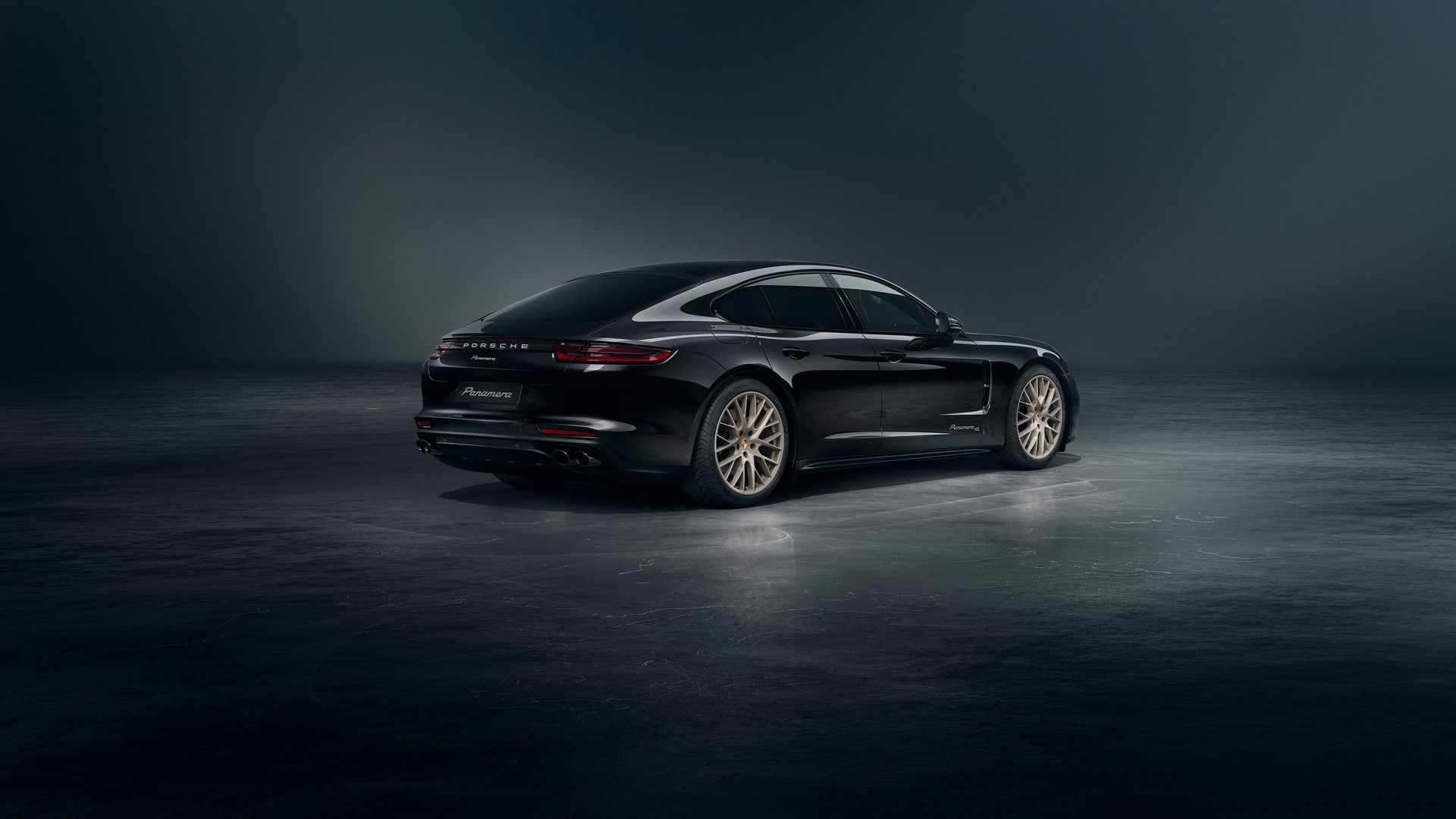 Porsche-Panamera-10-Years-Edition-2