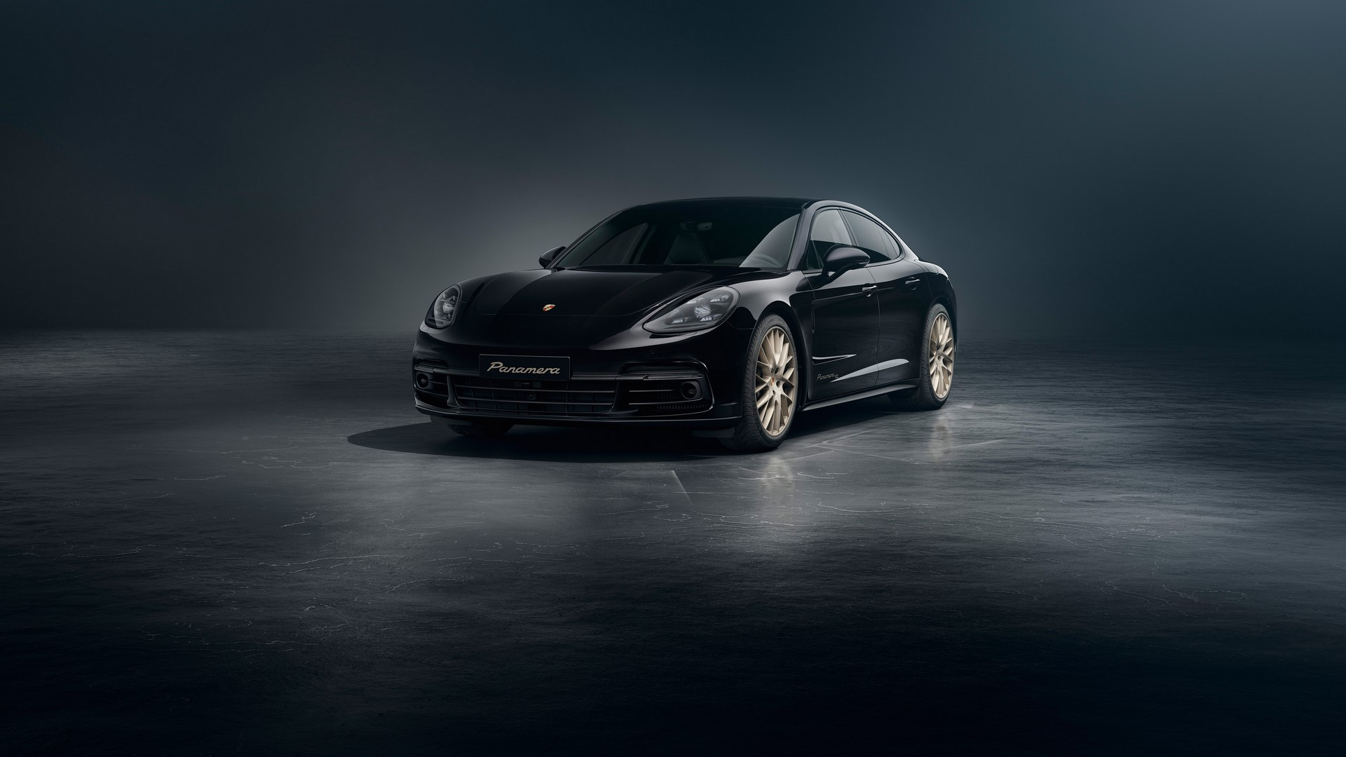 Porsche-Panamera-10-Years-Edition-3