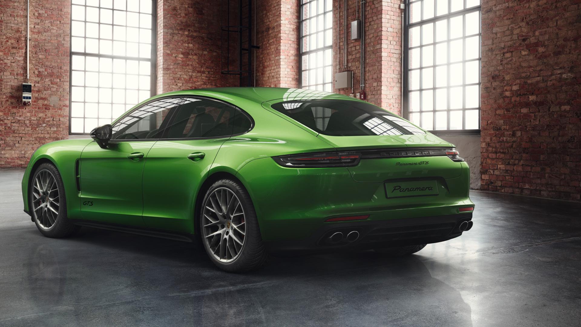 Porsche Panamera GTS in Mamba Green (1)