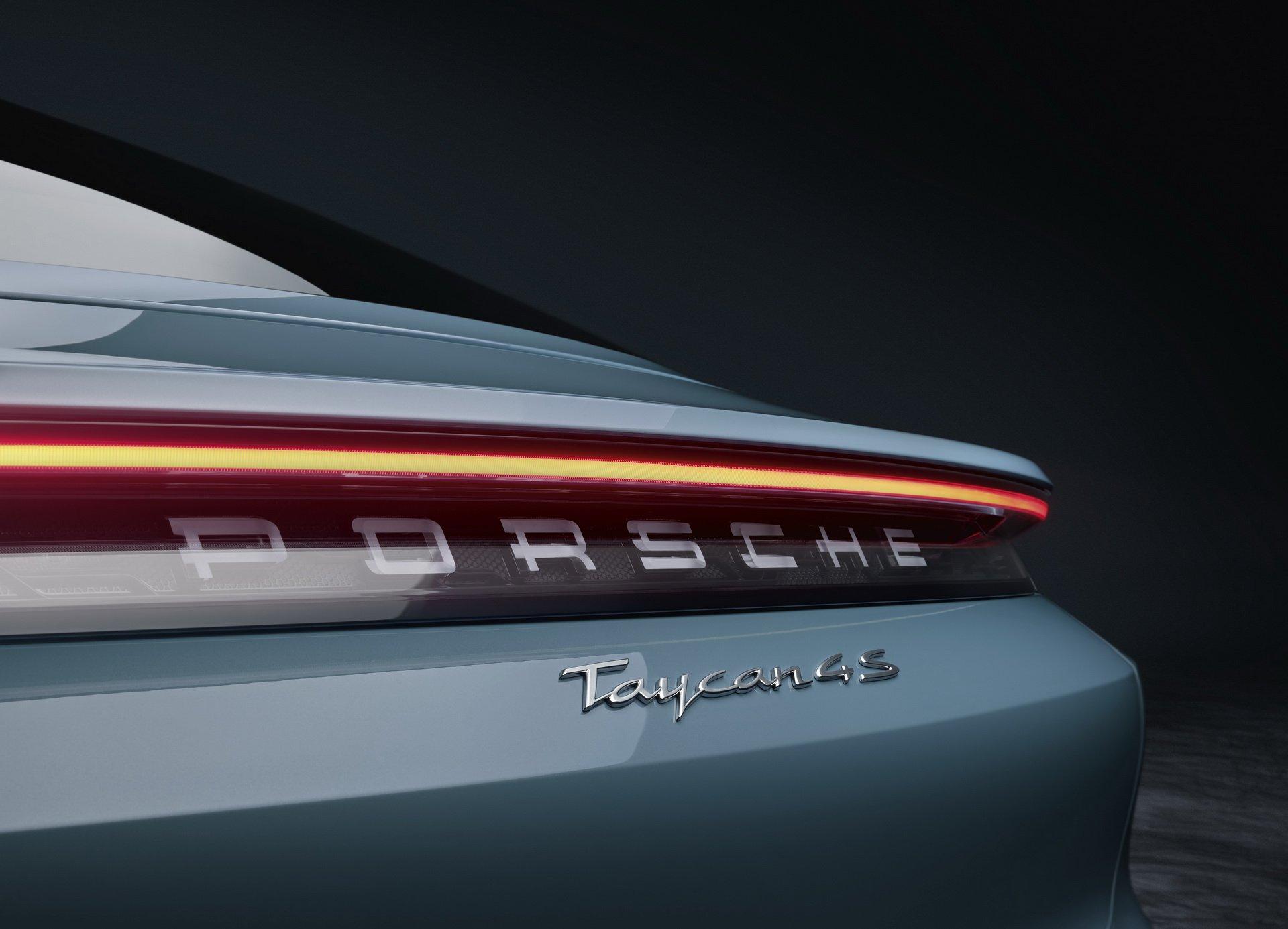 Porsche-Taycan-4S-10