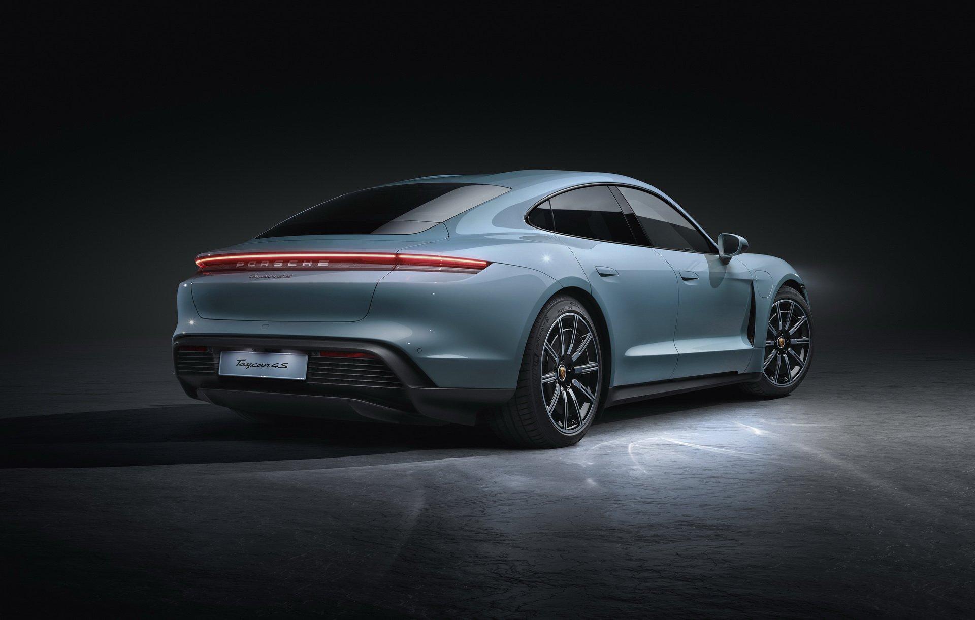 Porsche-Taycan-4S-6