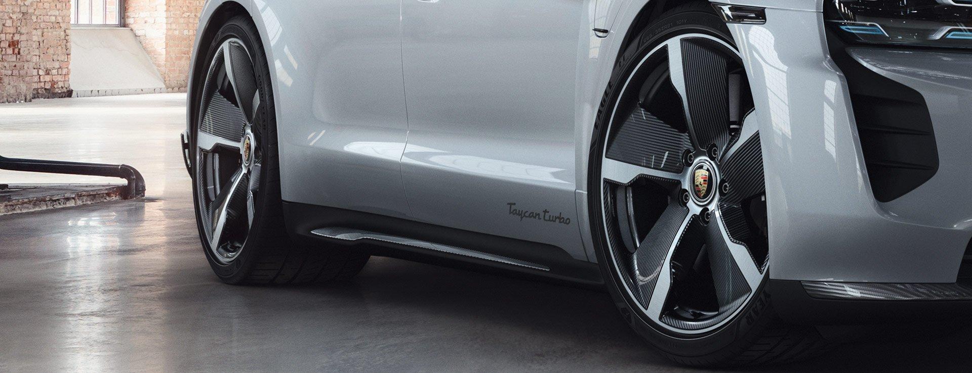 Porsche-Exclusive-Taycan-Turbo-11