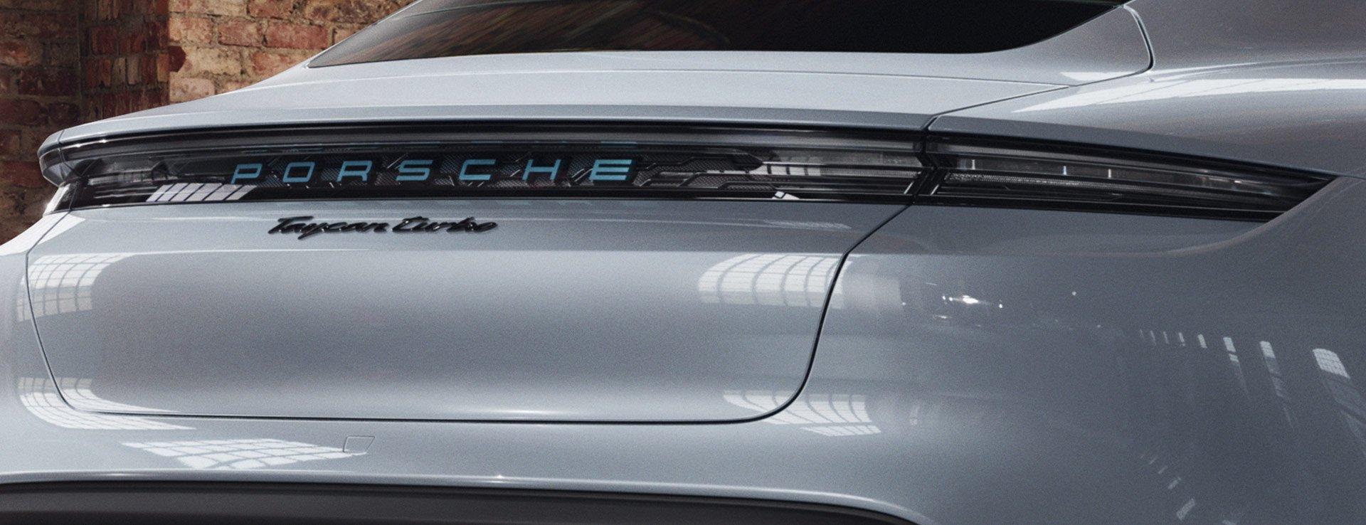 Porsche-Exclusive-Taycan-Turbo-15