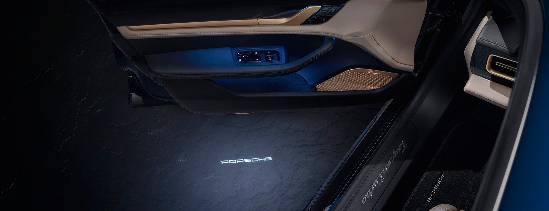 Porsche-Exclusive-Taycan-Turbo-16