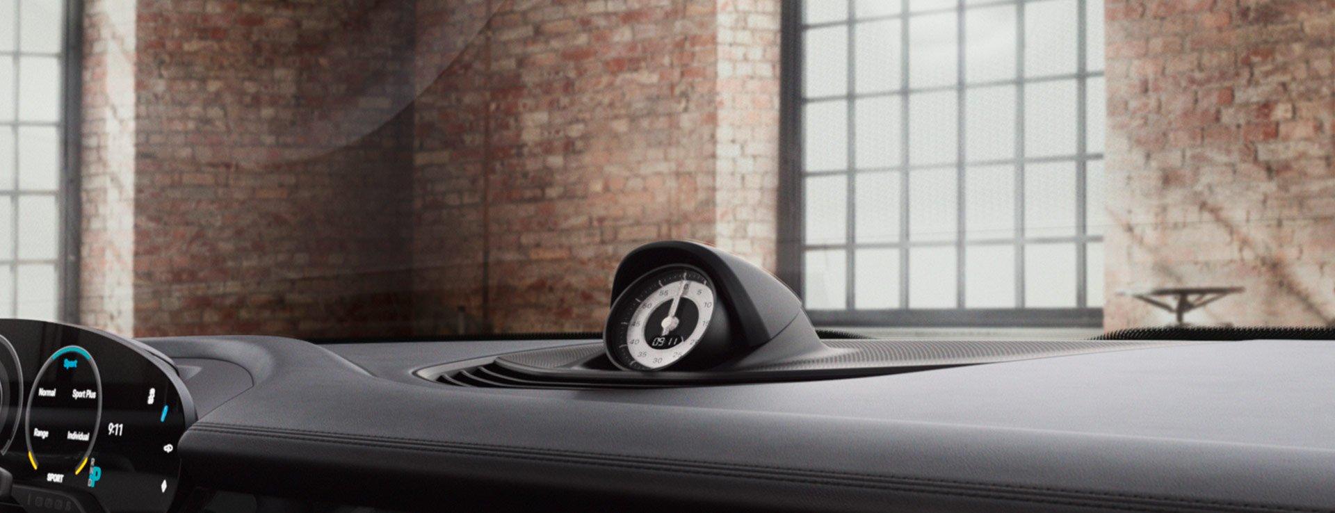 Porsche-Exclusive-Taycan-Turbo-19