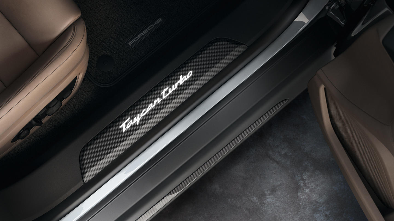 Porsche-Exclusive-Taycan-Turbo-5