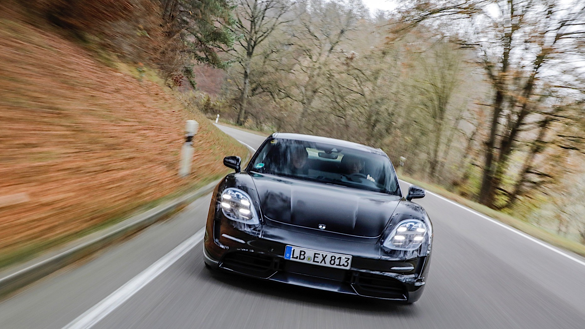 Porsche-Taycan-spy-photos-6