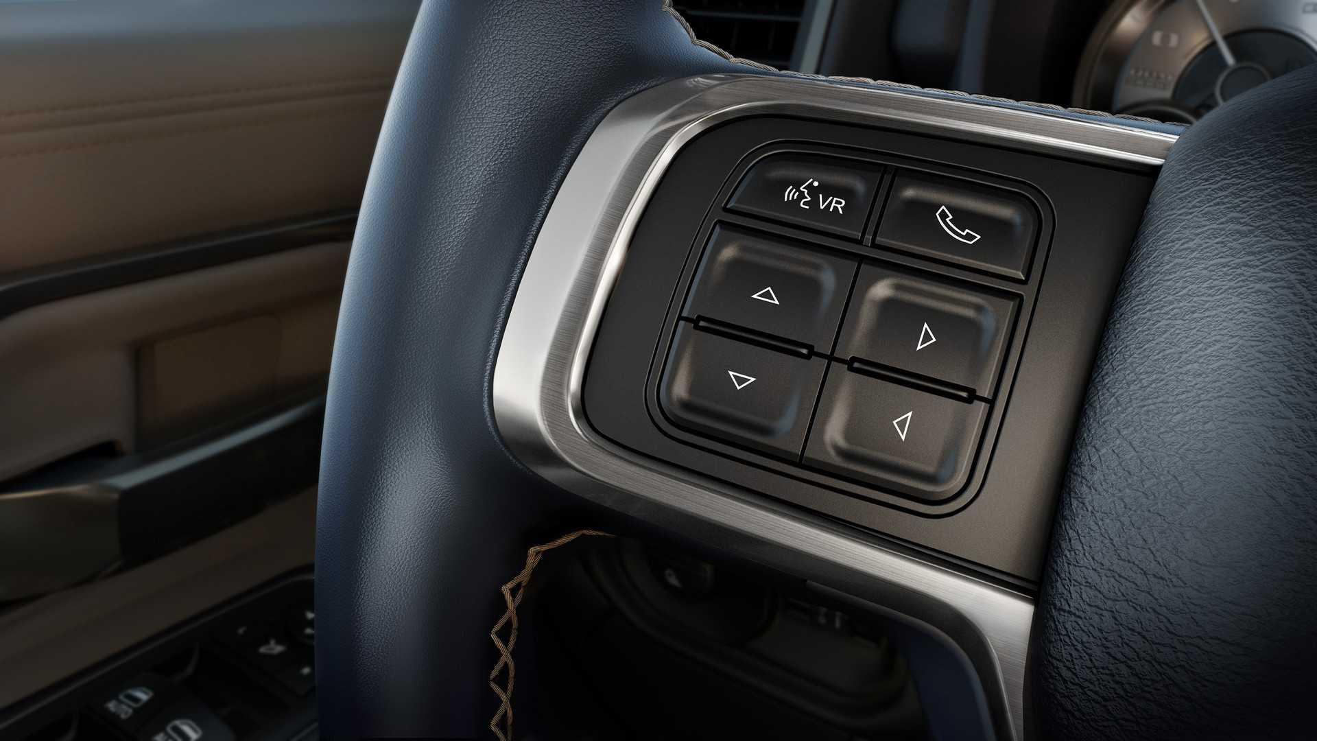 2019-ram-heavy-duty-interior (37)