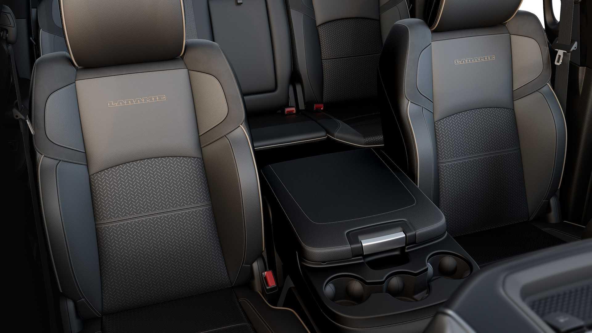 2019-ram-heavy-duty-interior (44)