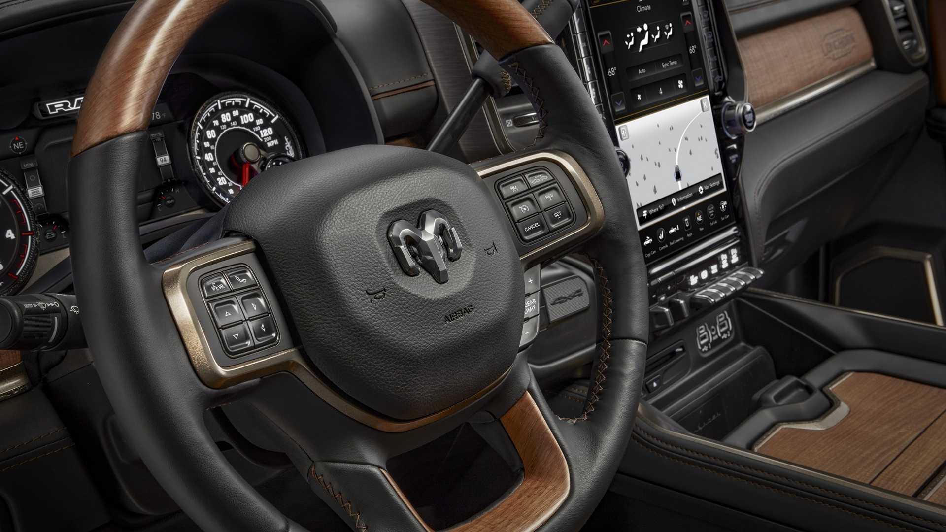 2019-ram-heavy-duty-interior (70)