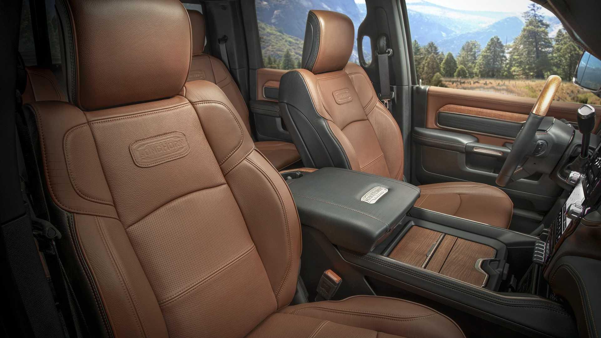 2019-ram-heavy-duty-interior (71)