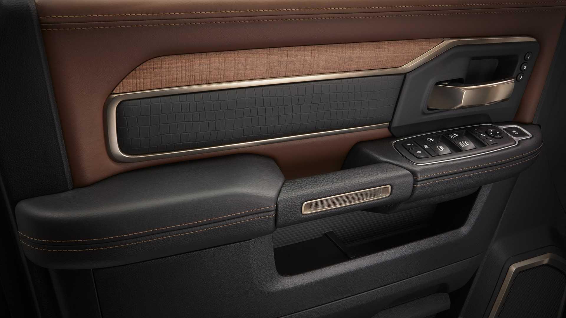 2019-ram-heavy-duty-interior (73)