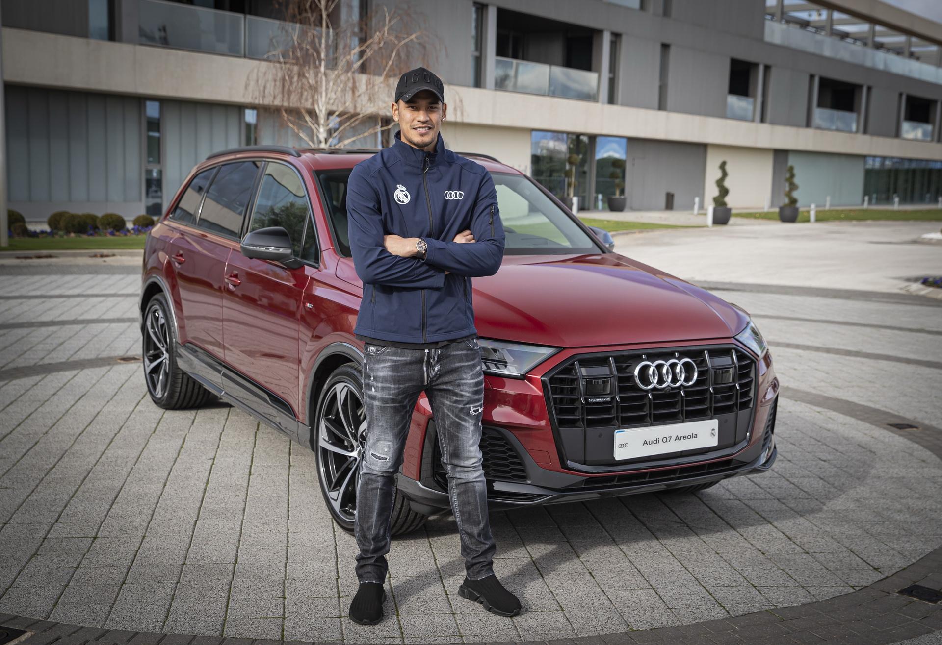 Real_Madrid_Players_Audi_0012