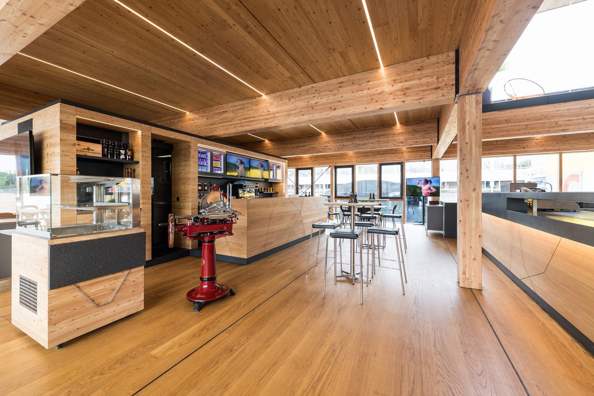 Red-Bull-F1-Energy-Station-2019-10