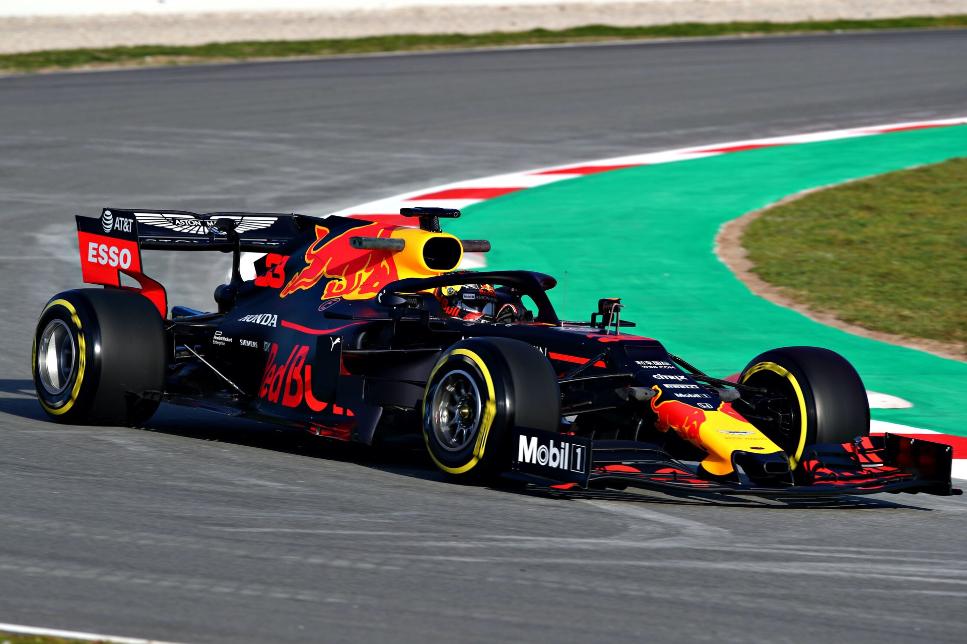 MONTMELO, SPAIN - FEBRUARY 18: Max Verstappen of the Netherlands driving the (33) Aston Martin Red Bull Racing RB15 on track during day one of F1 Winter Testing at Circuit de Catalunya on February 18, 2019 in Montmelo, Spain. (Photo by Dan Istitene/Getty Images) // Getty Images / Red Bull Content Pool  // AP-1YFQGD5ZW1W11 // Usage for editorial use only // Please go to www.redbullcontentpool.com for further information. //