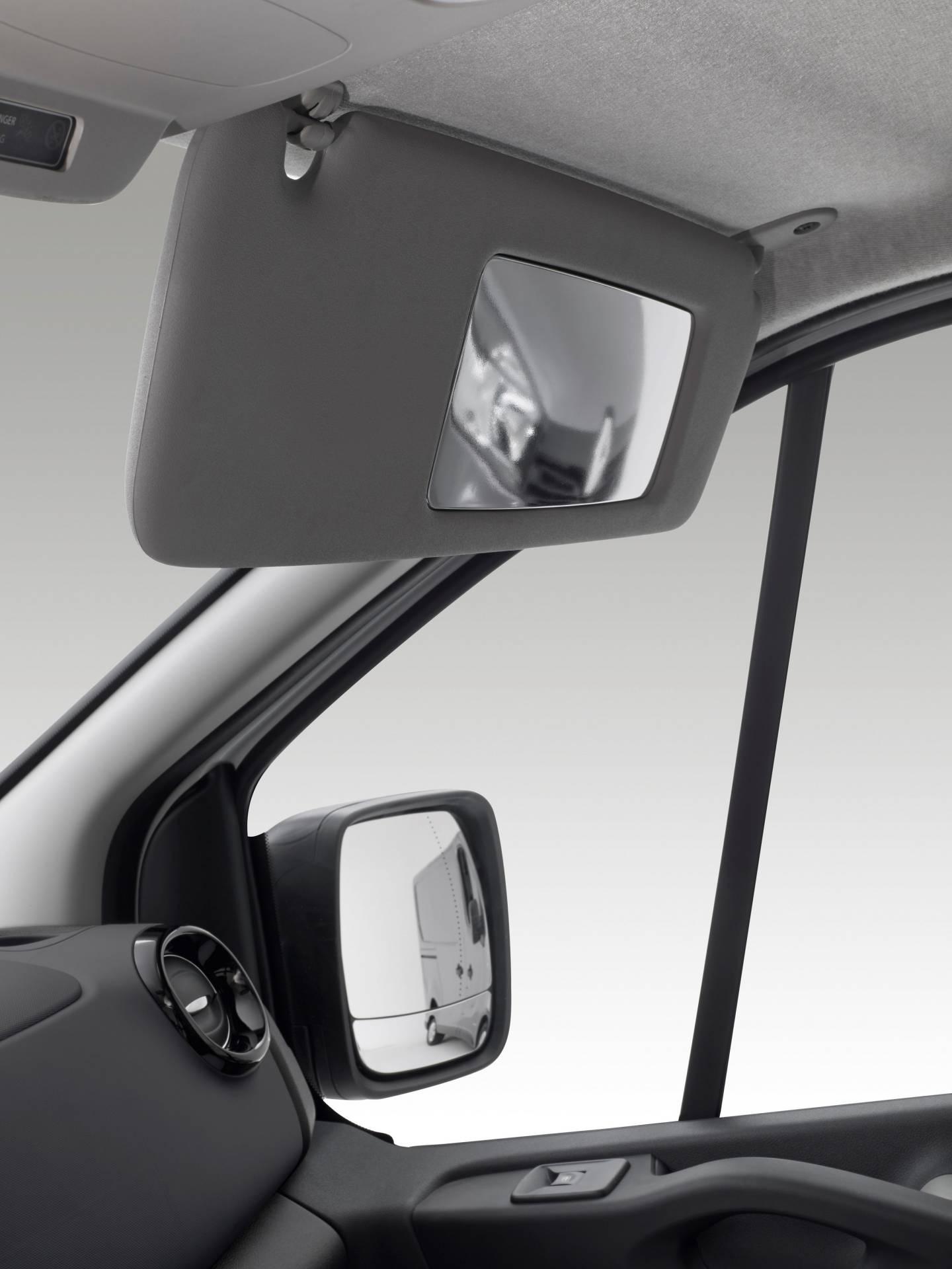 fb9e9065-2019my-renault-trafic-van-facelift-1