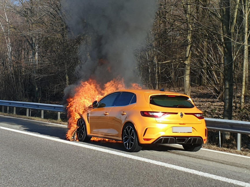 Renault Megane RS fire (1)