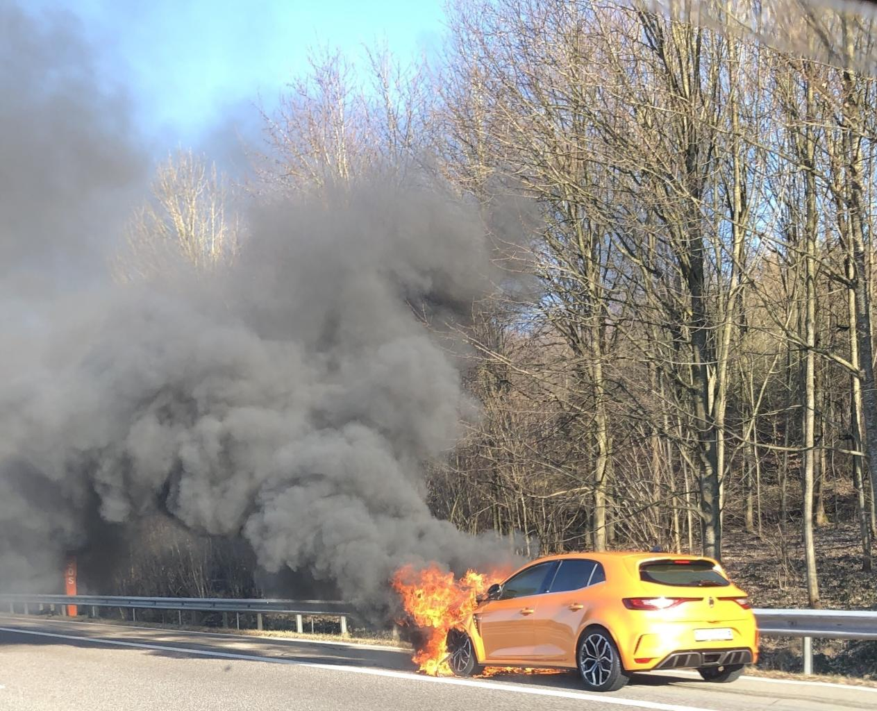 Renault Megane RS fire (3)