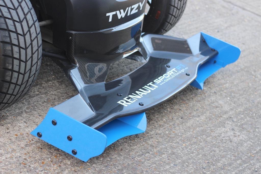 Renault-Twizy-Oakley-Design-14