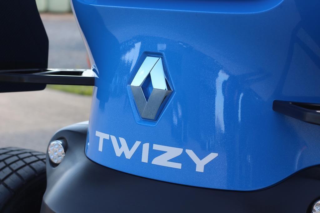 Renault-Twizy-Oakley-Design-28