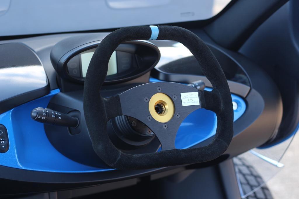 Renault-Twizy-Oakley-Design-6