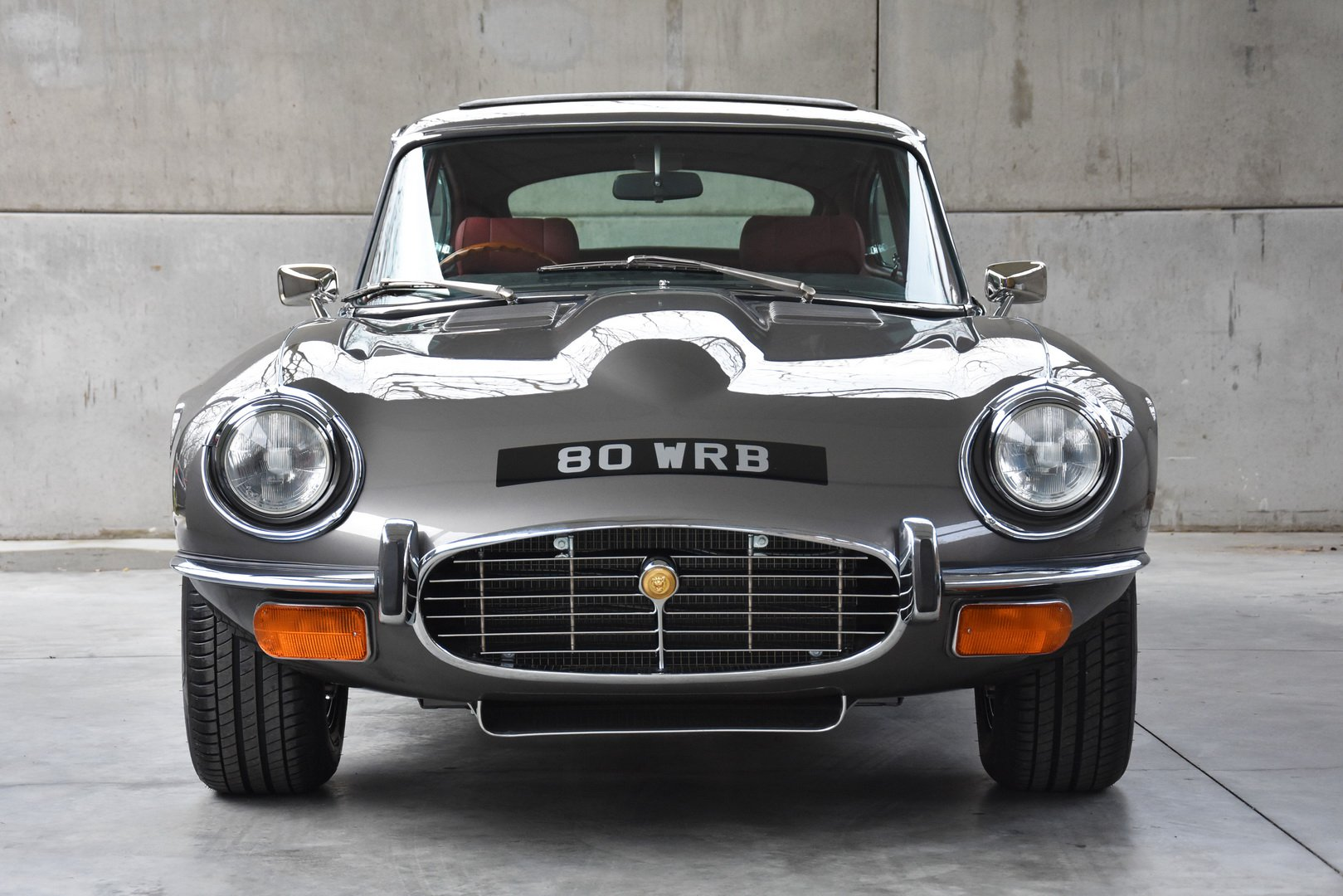 Restored Jaguar E-Type Series 3 1973 (1)