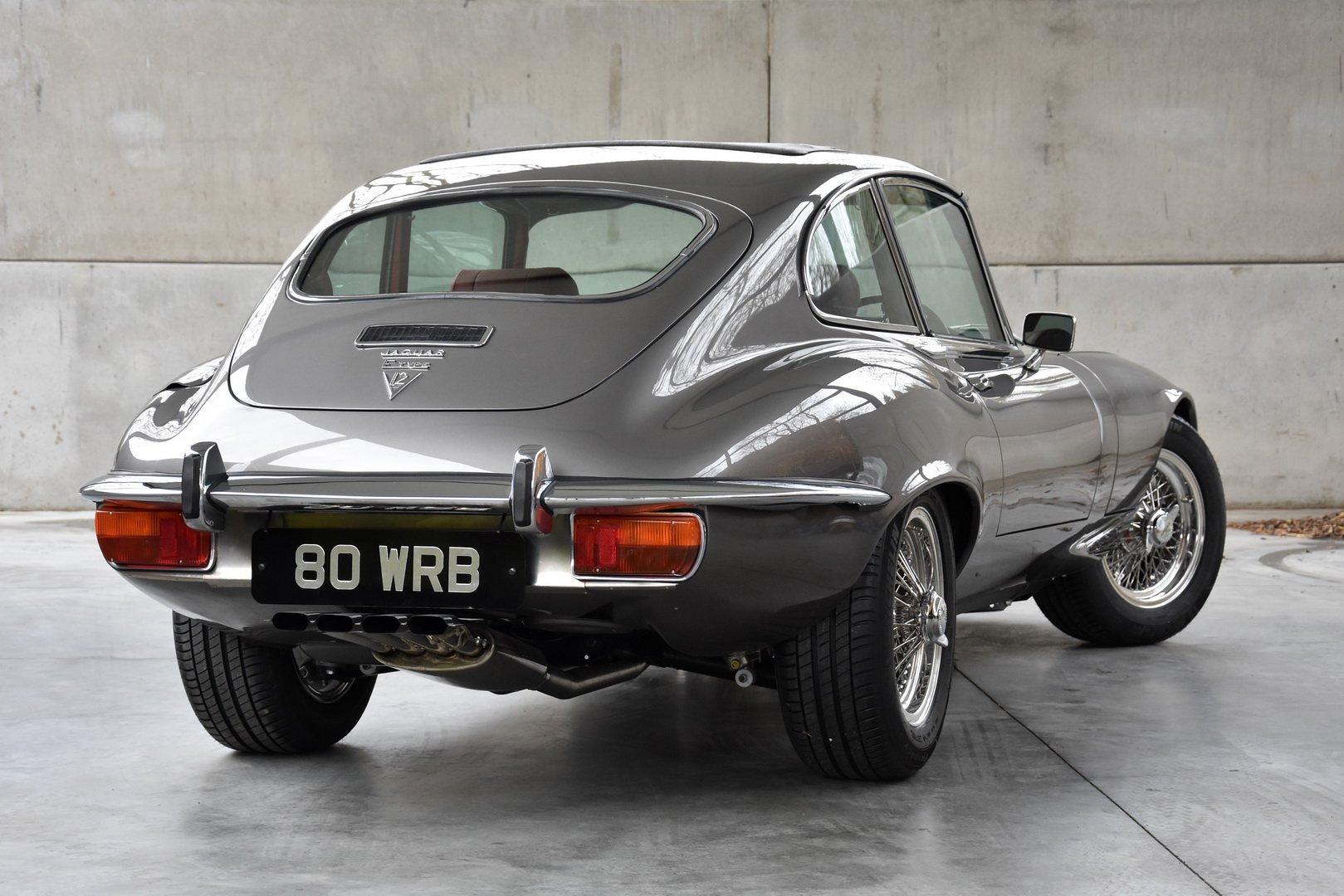 Restored Jaguar E-Type Series 3 1973 (3)