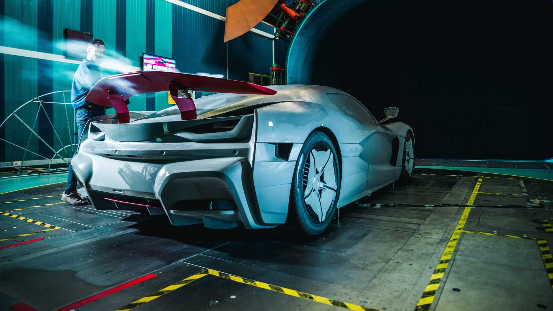 rimac-c-two-galactic-white (18)