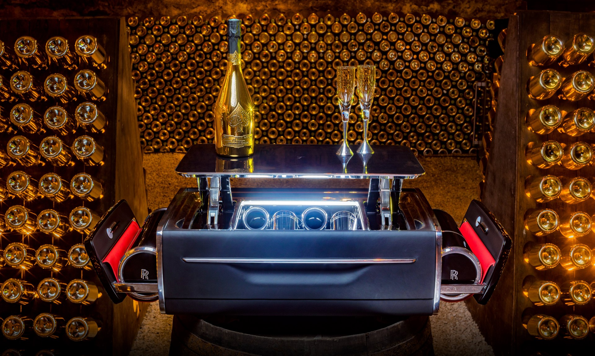 Rolls-Royce-Champagne-Chest-7