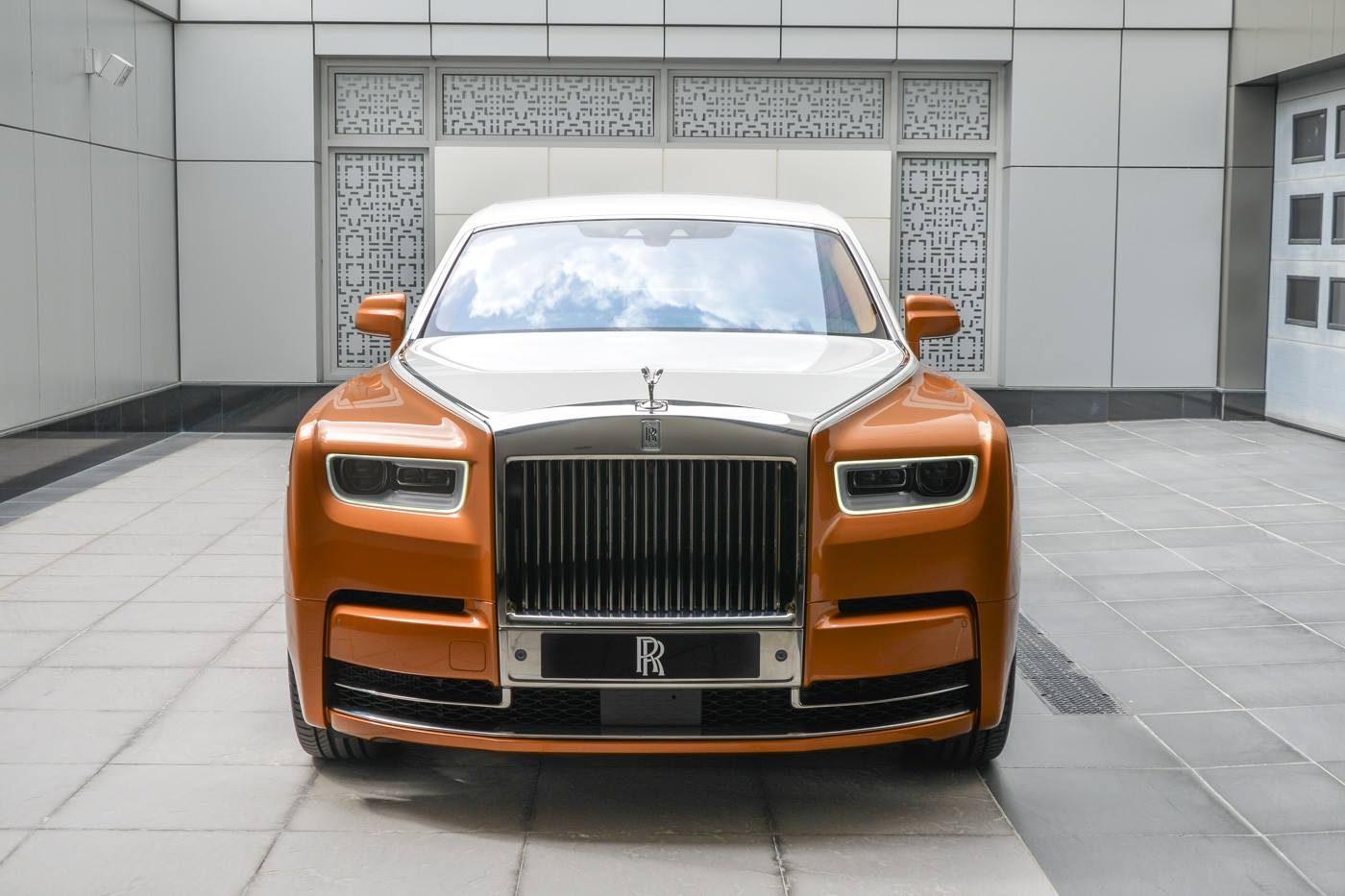 Rolls-Royce-Phantom-Privacy-Suite-1
