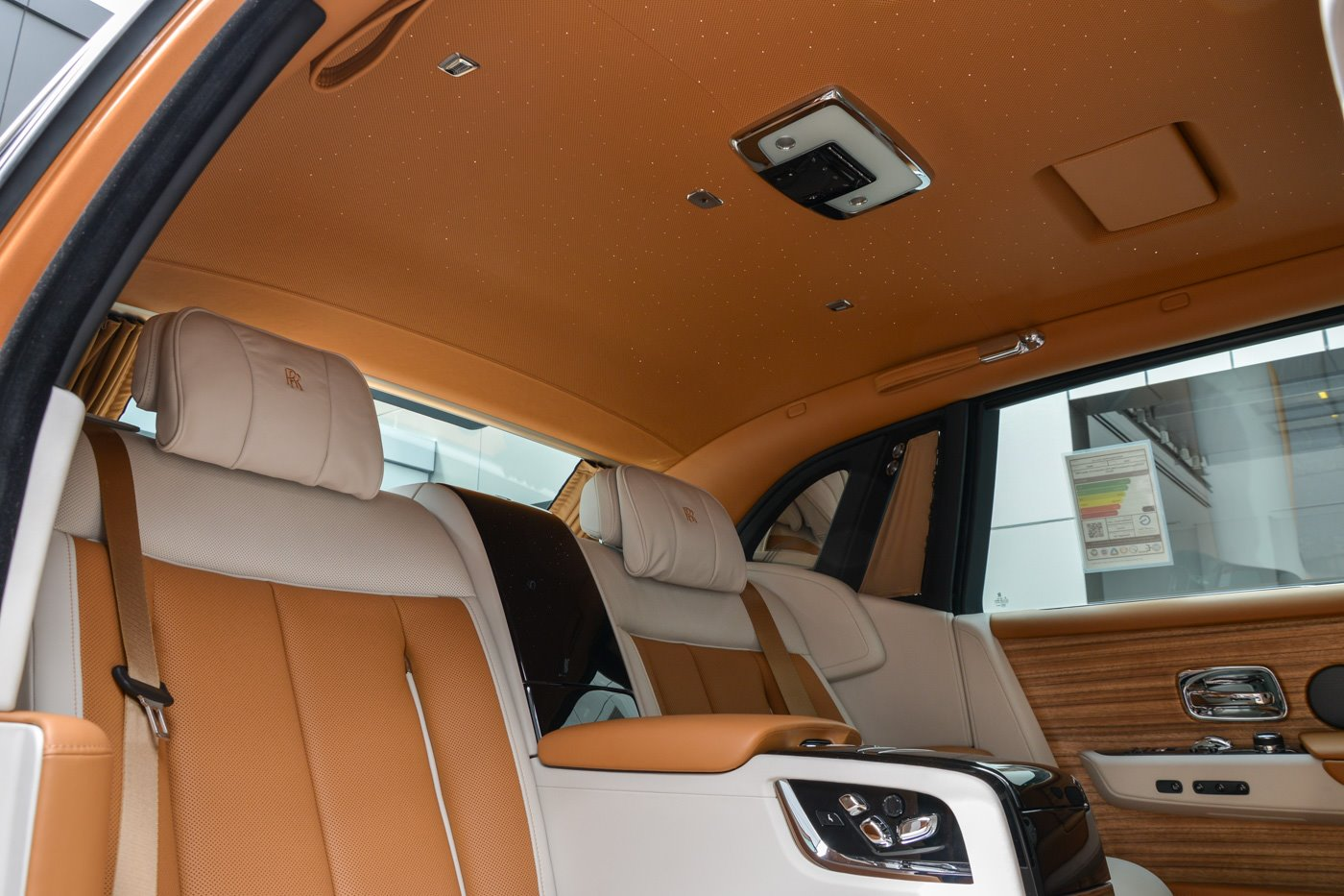 Rolls-Royce-Phantom-Privacy-Suite-22