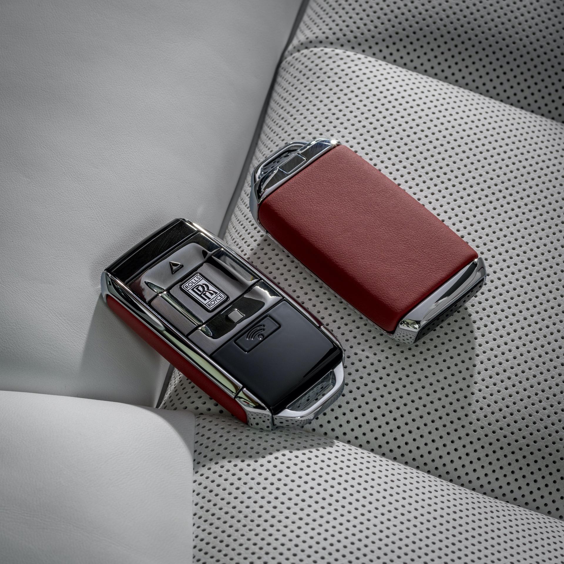 Rolls-Royce_Red_Phantom_0000