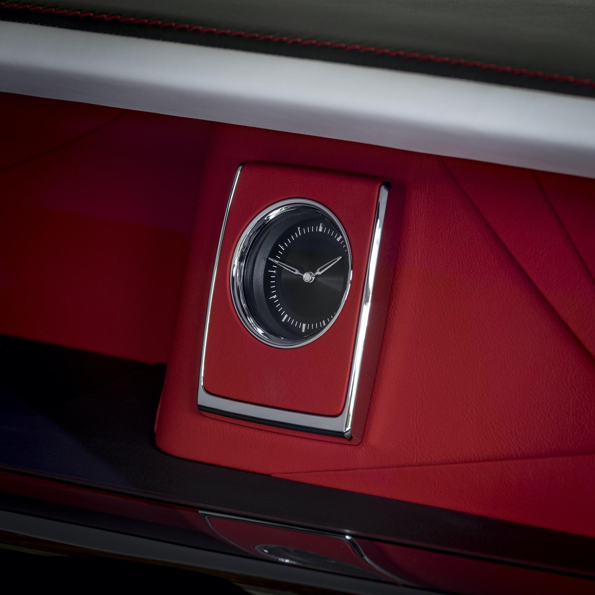 Rolls-Royce_Red_Phantom_0002