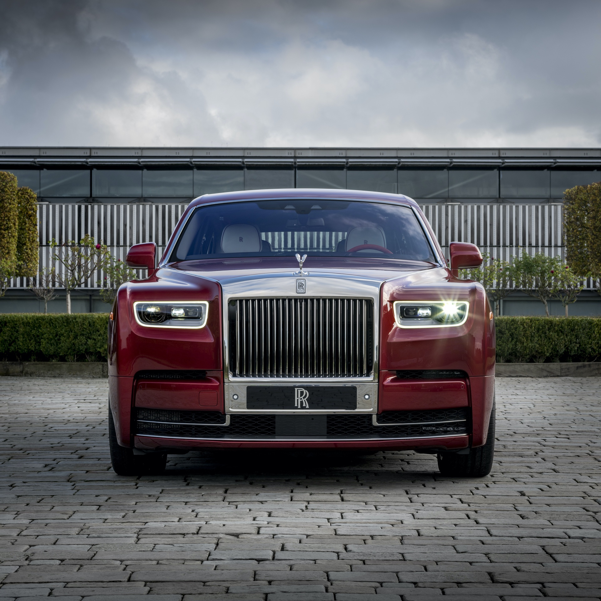 Rolls-Royce_Red_Phantom_0003