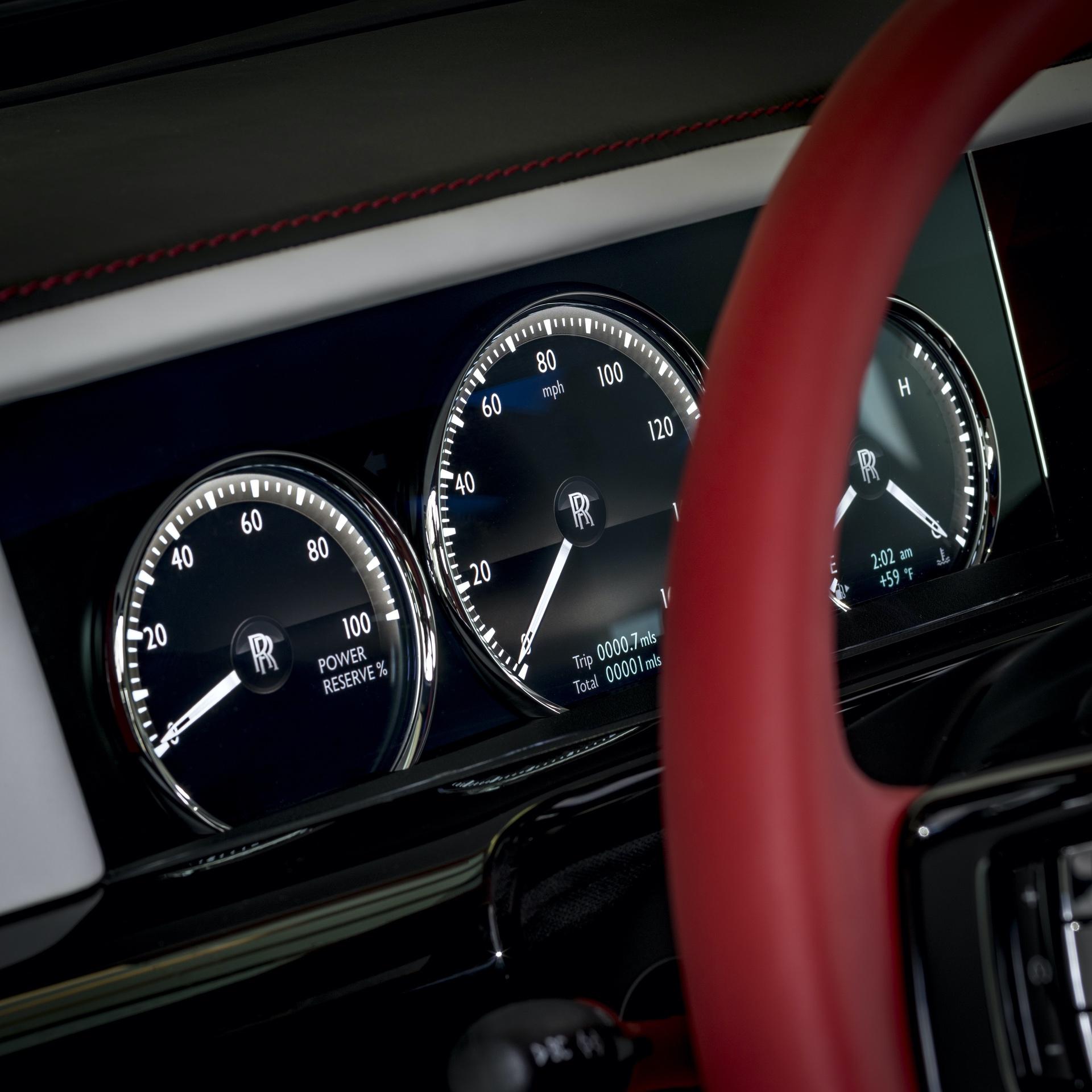 Rolls-Royce_Red_Phantom_0004