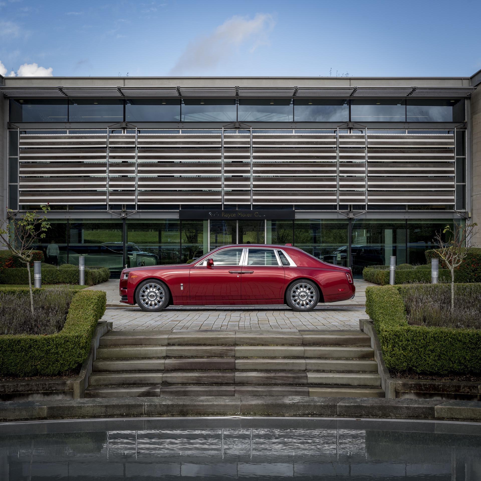 Rolls-Royce_Red_Phantom_0007