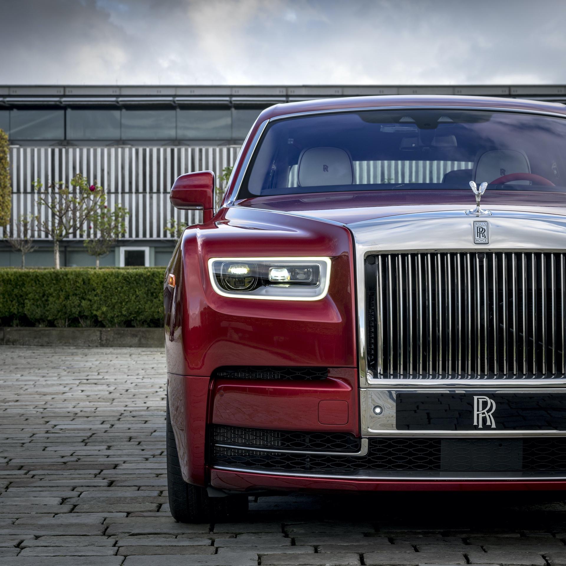 Rolls-Royce_Red_Phantom_0017