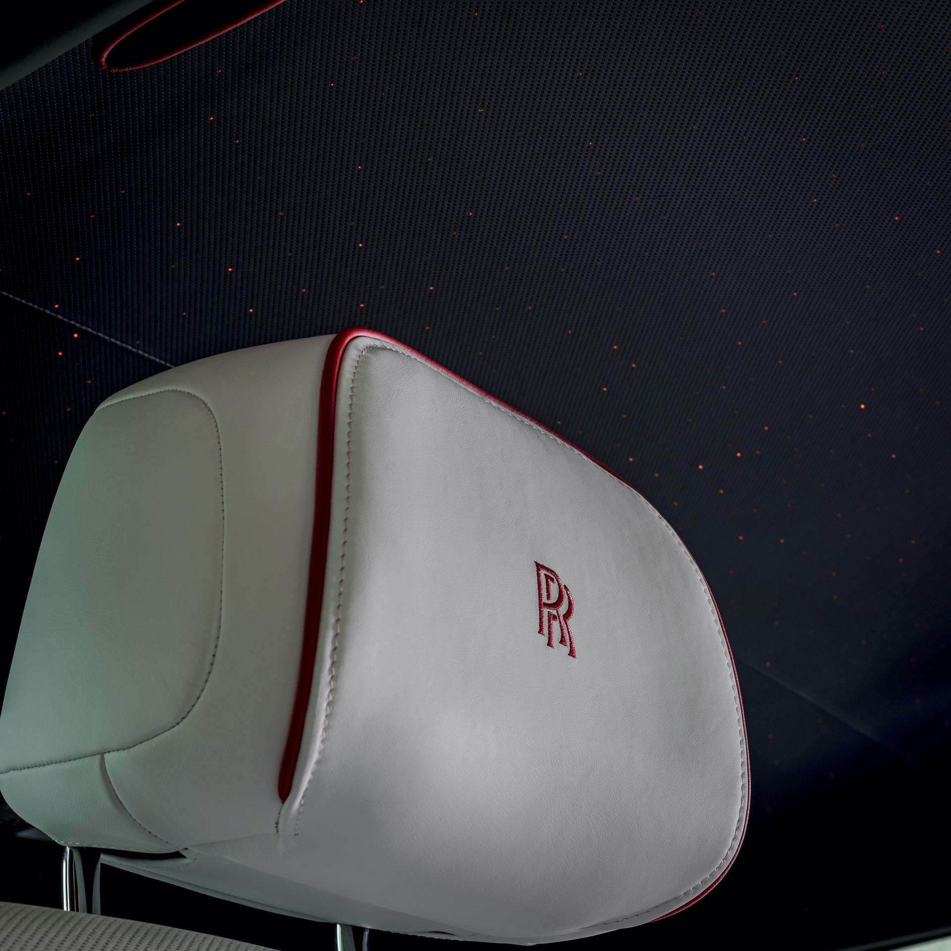 Rolls-Royce_Red_Phantom_0019