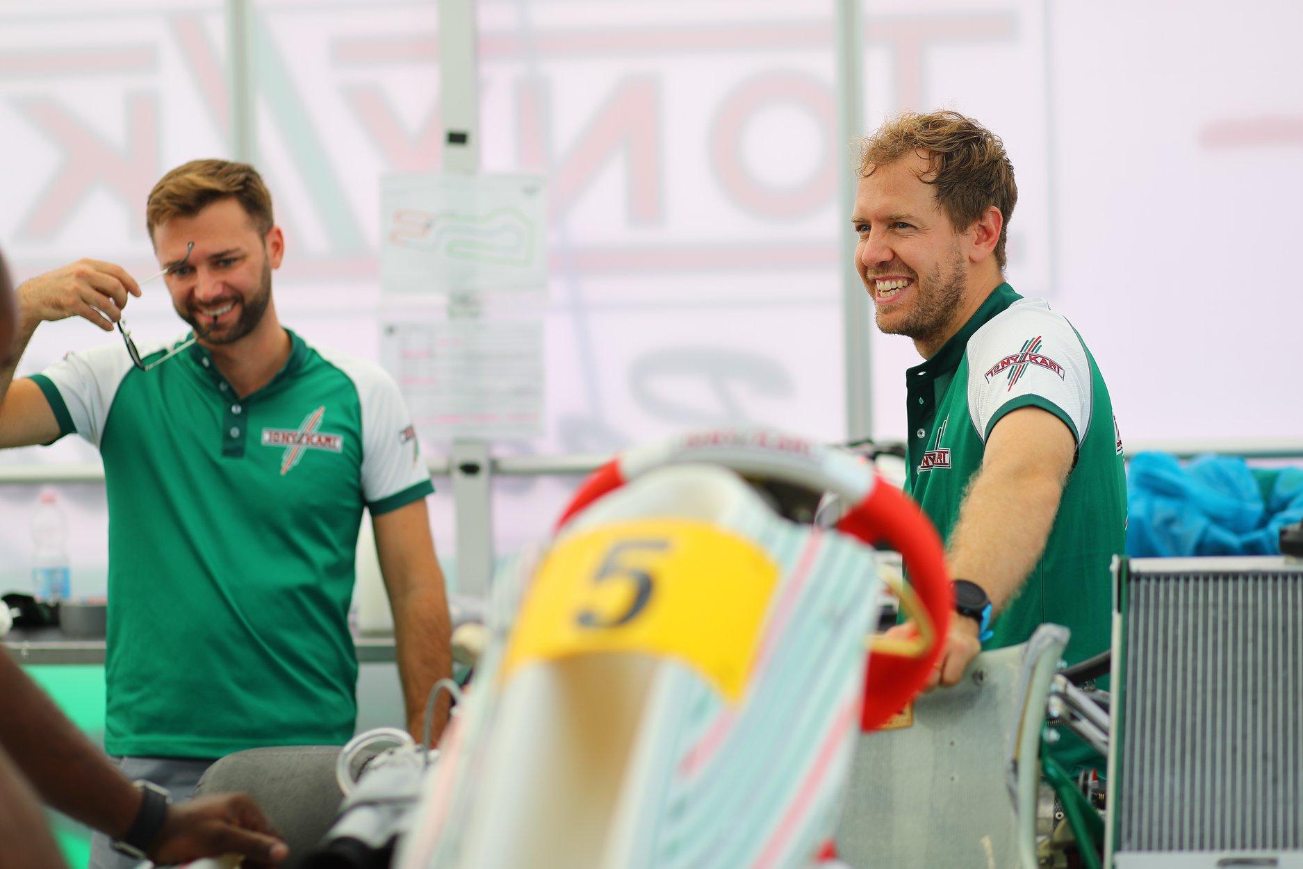 Sebastian_Vettel_testing_Tony_Kart_0000