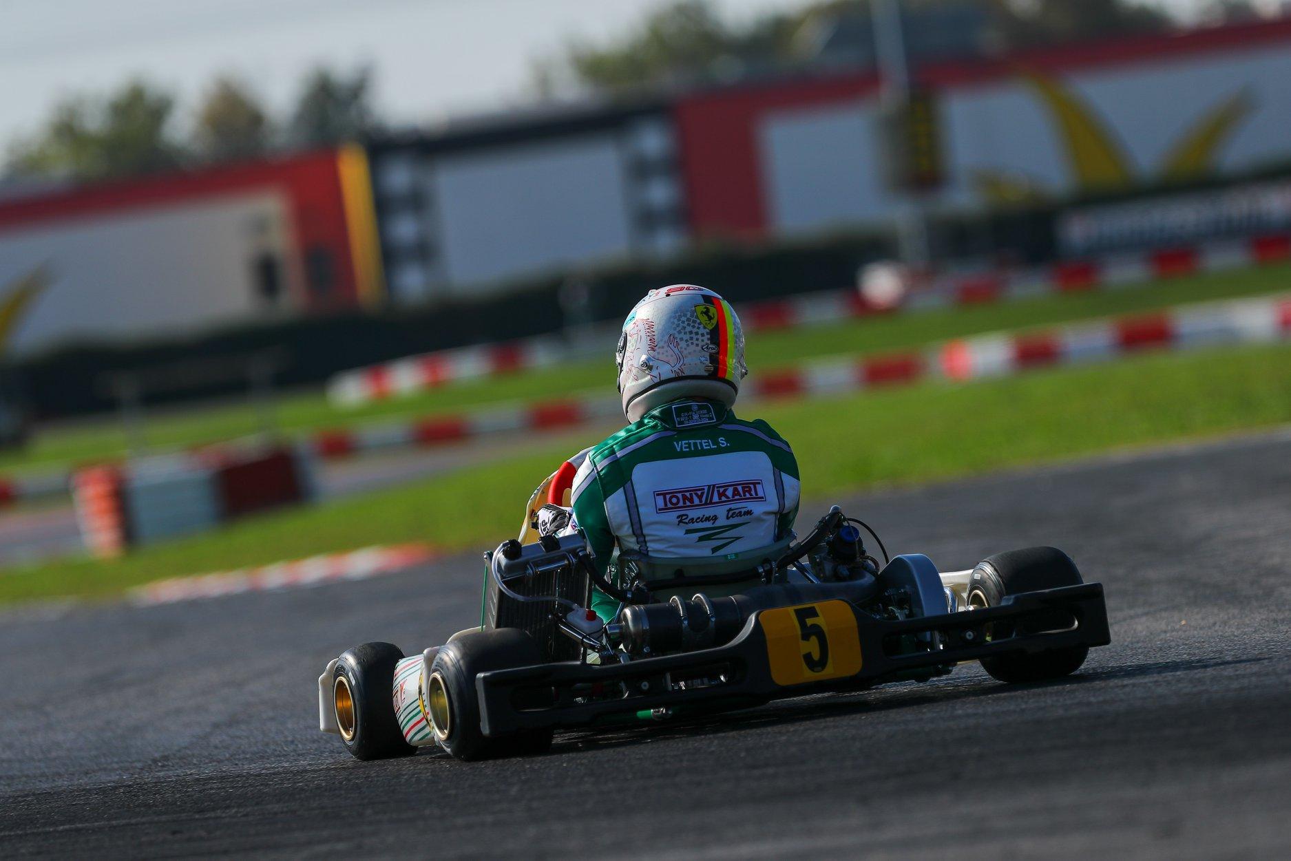 Sebastian_Vettel_testing_Tony_Kart_0001