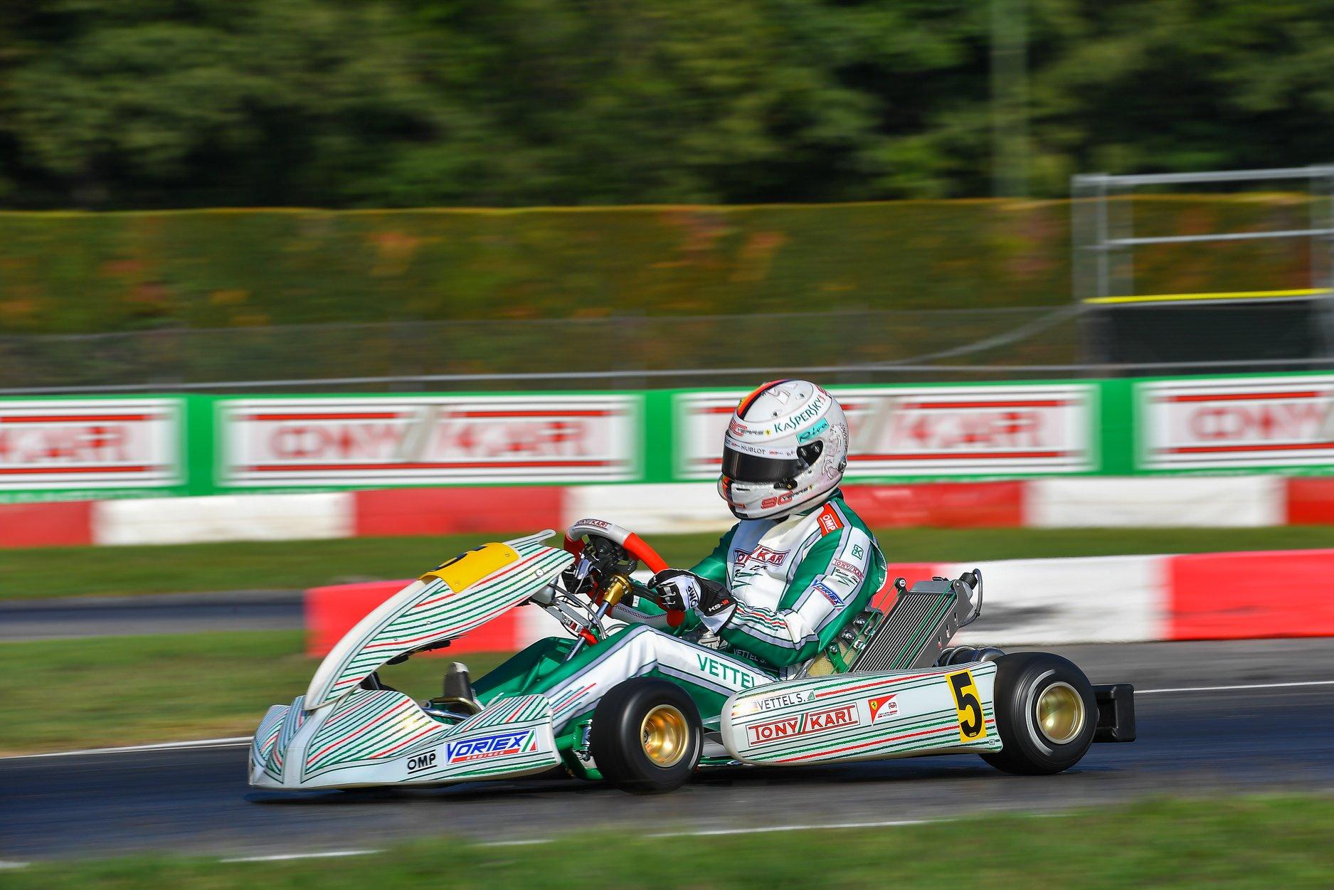 Sebastian_Vettel_testing_Tony_Kart_0002