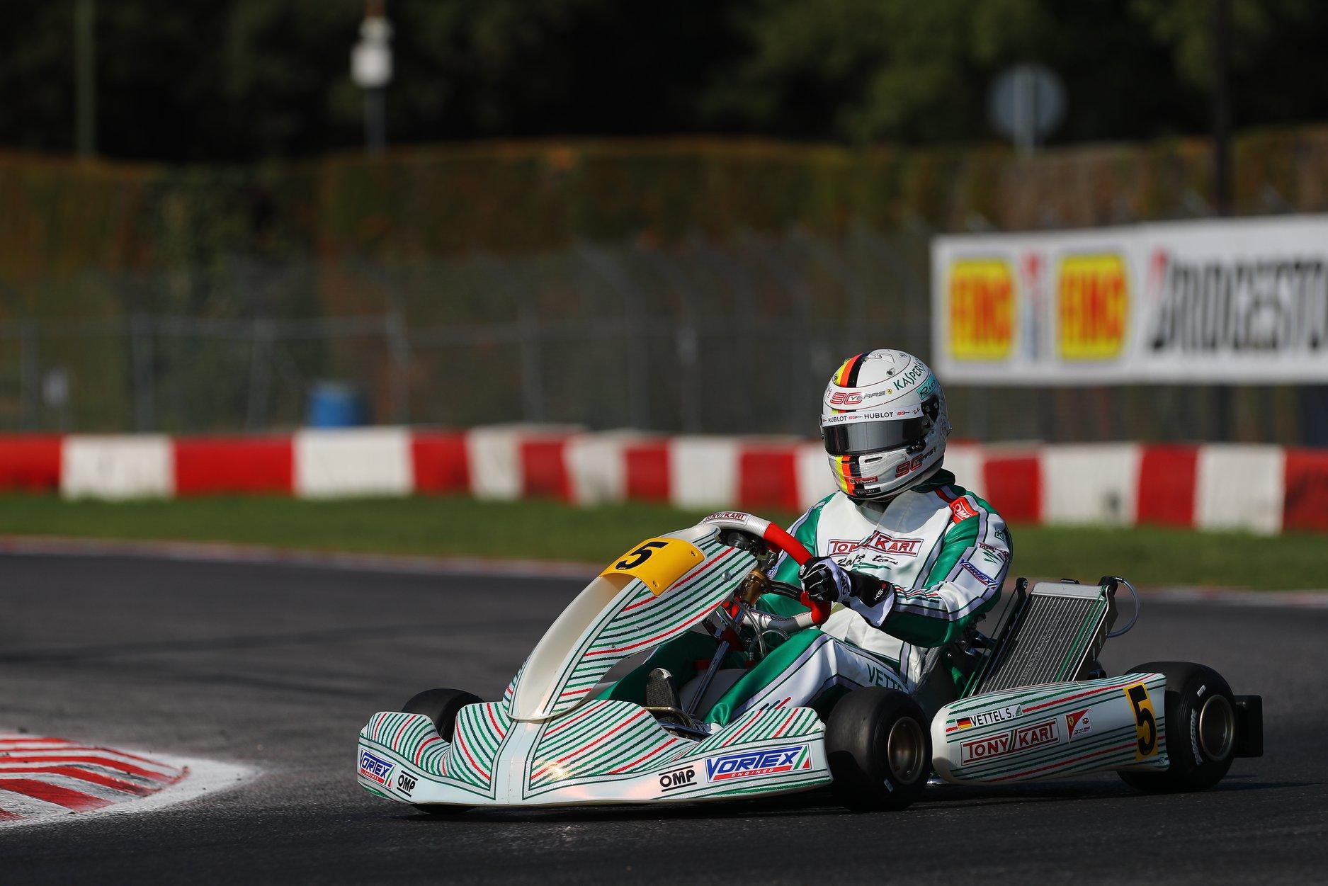 Sebastian_Vettel_testing_Tony_Kart_0003