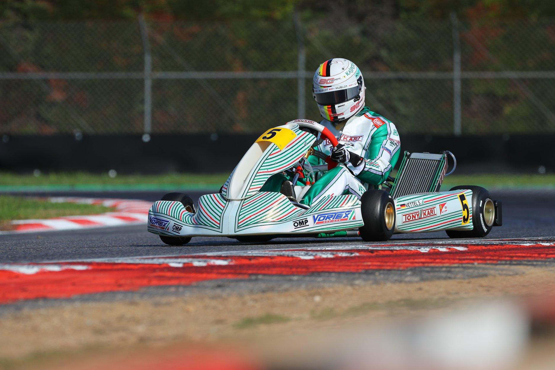 Sebastian_Vettel_testing_Tony_Kart_0005