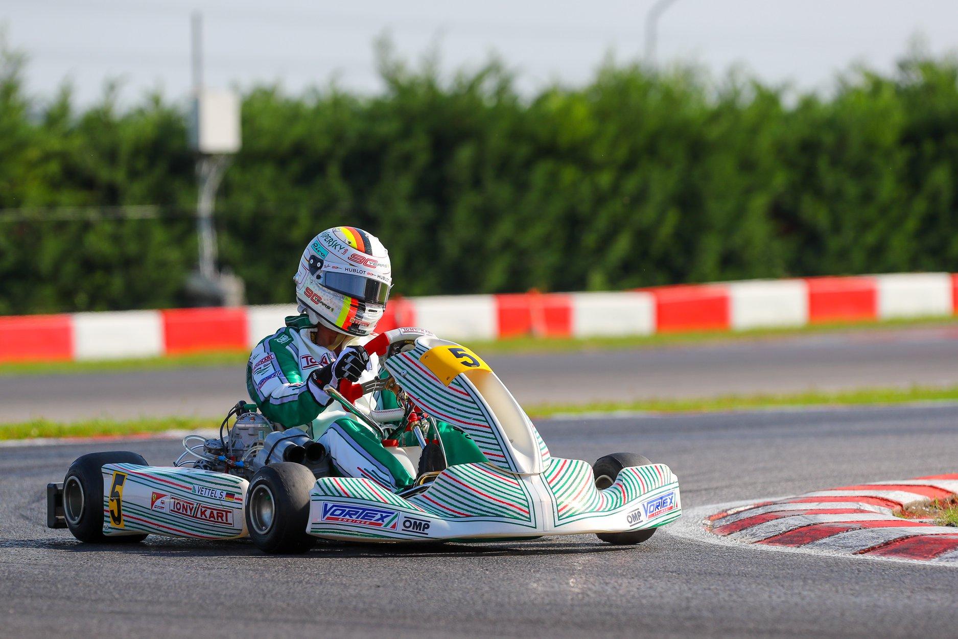 Sebastian_Vettel_testing_Tony_Kart_0006