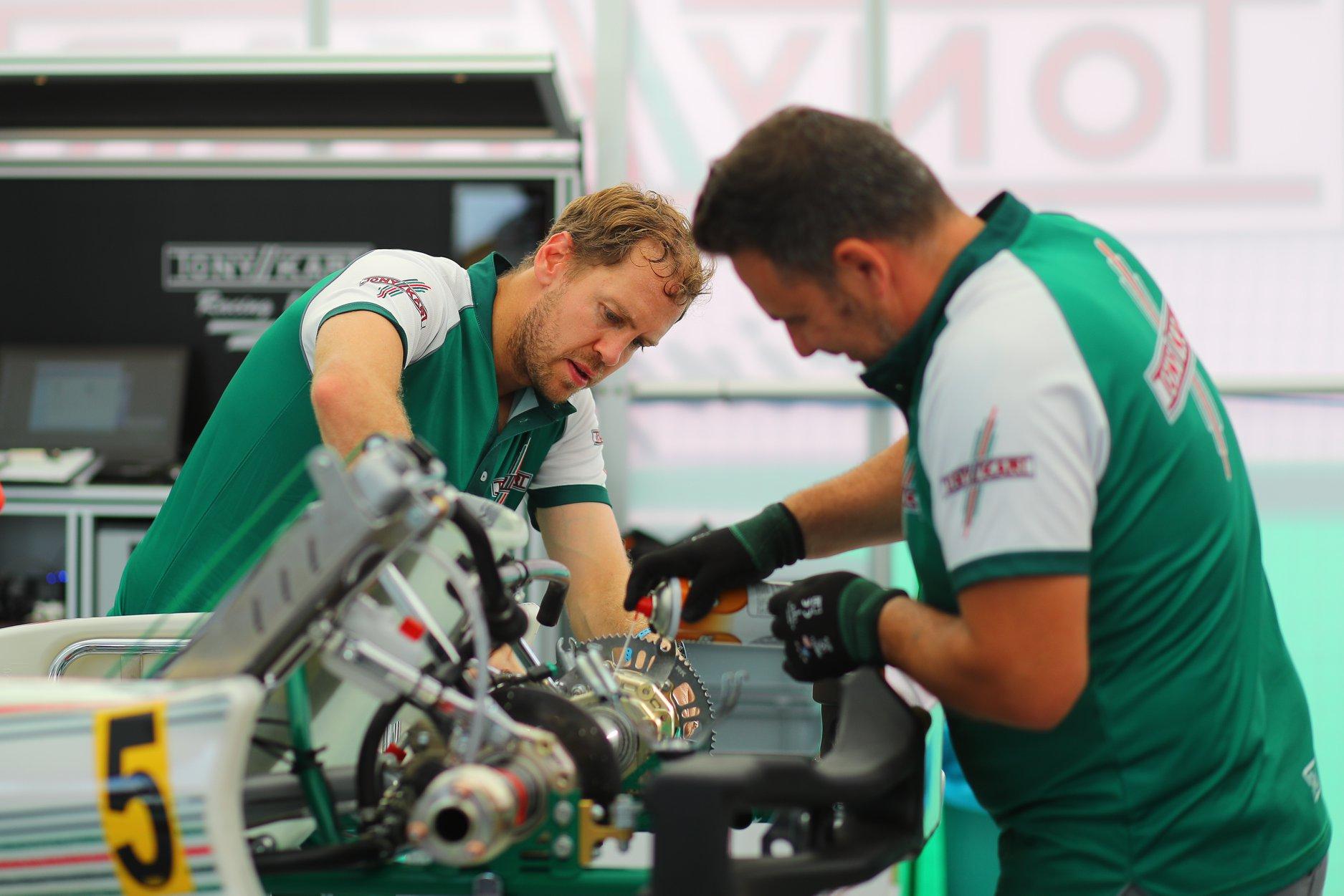 Sebastian_Vettel_testing_Tony_Kart_0008