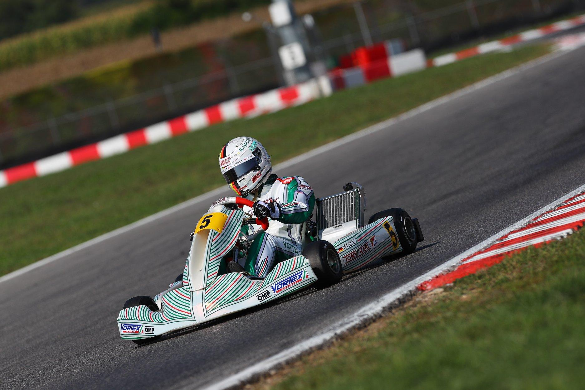 Sebastian_Vettel_testing_Tony_Kart_0010