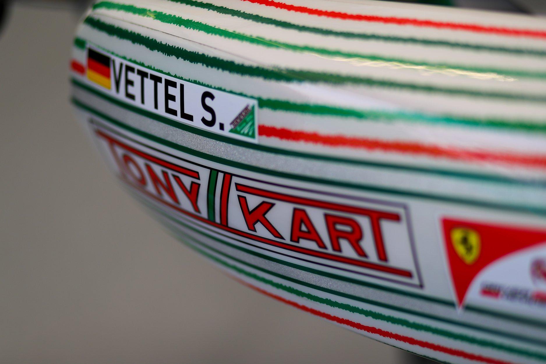Sebastian_Vettel_testing_Tony_Kart_0014