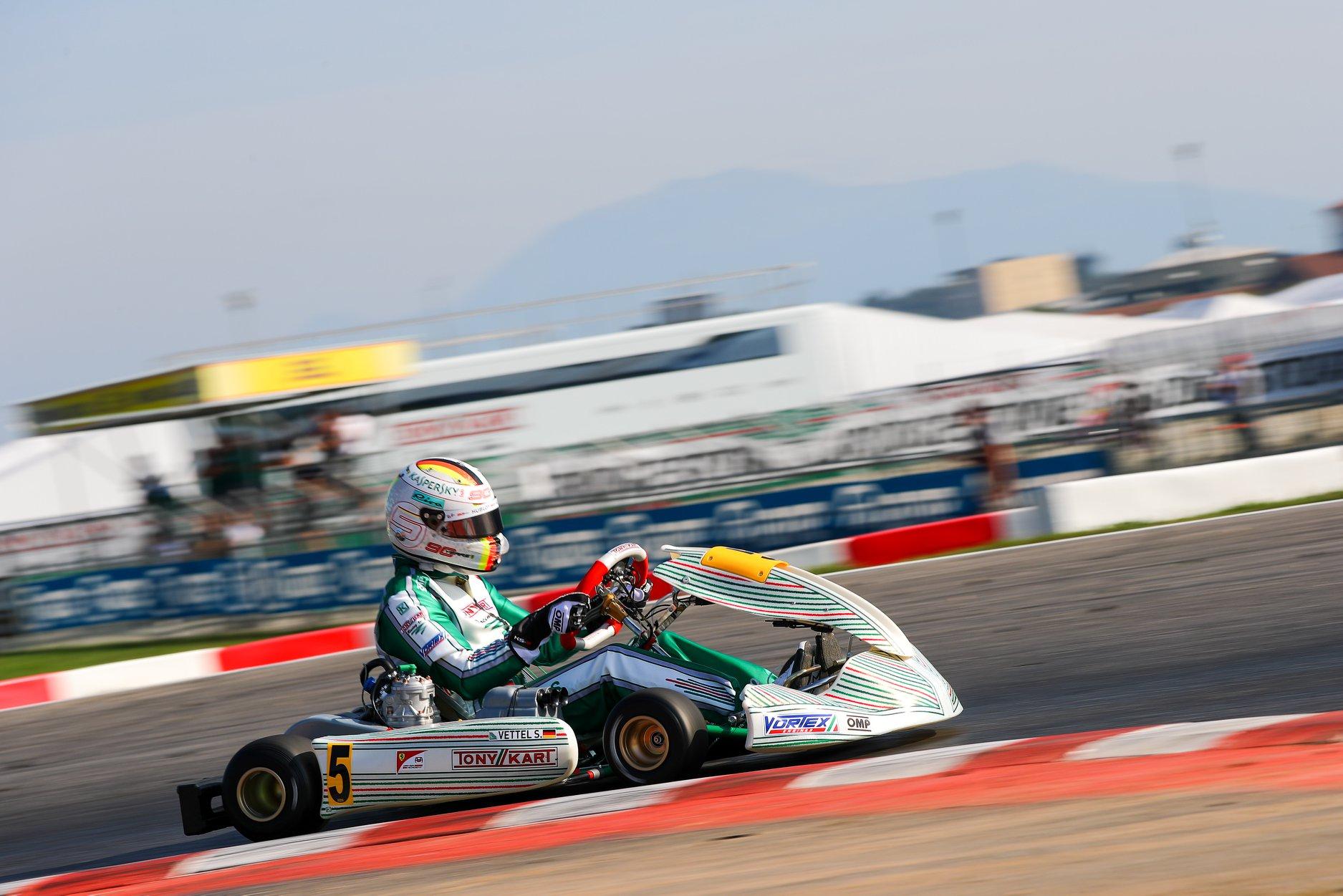 Sebastian_Vettel_testing_Tony_Kart_0015